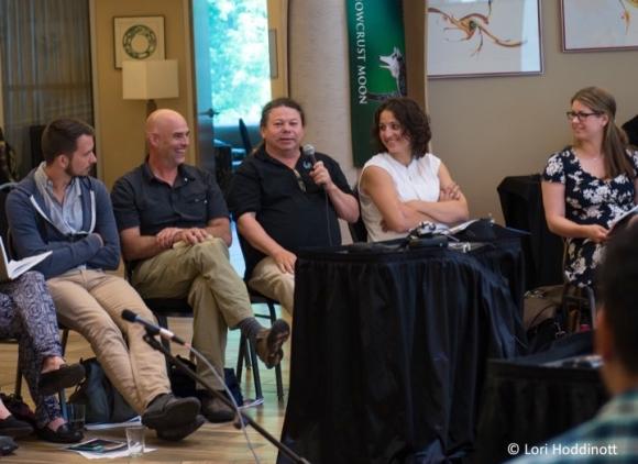 Photos for blog post - Tuma w mic